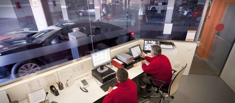 Mobiliario para Cabinas de Vigilancia y Control